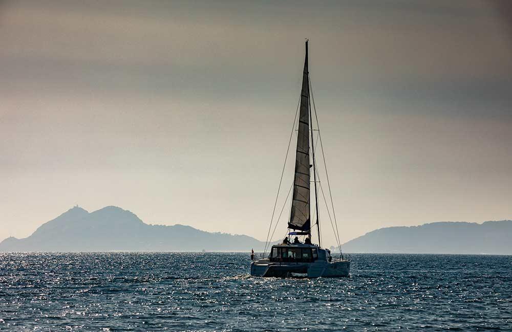 Charterranova catamaranes Galicia